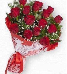 Naif Kırmızı Güller 15 Ad.
